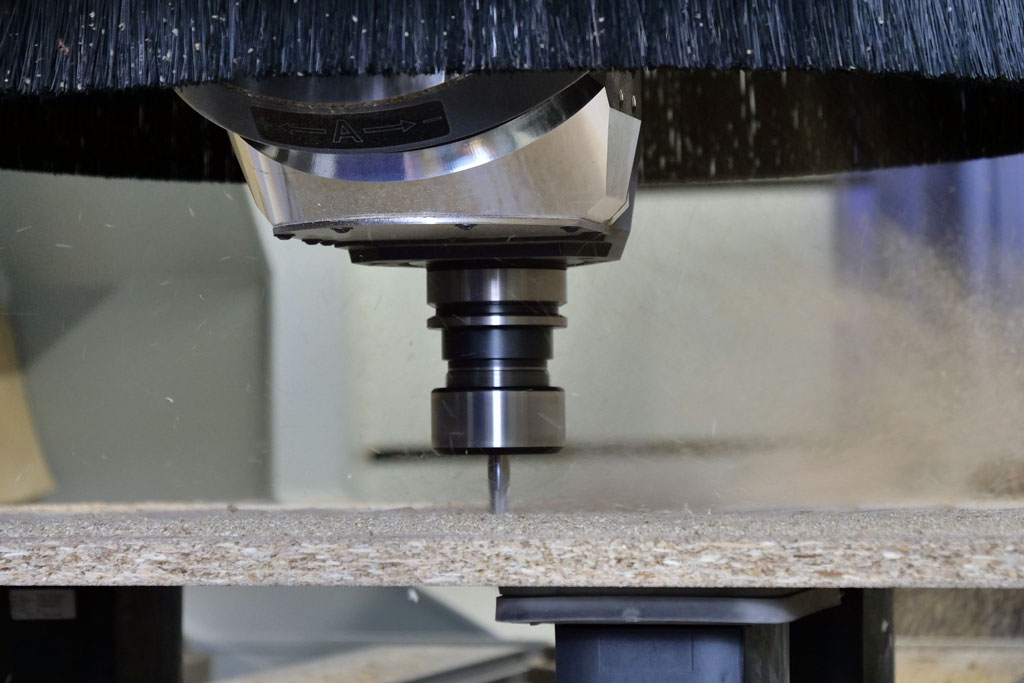 Computergesteuerte CNC Fräse für Holz
